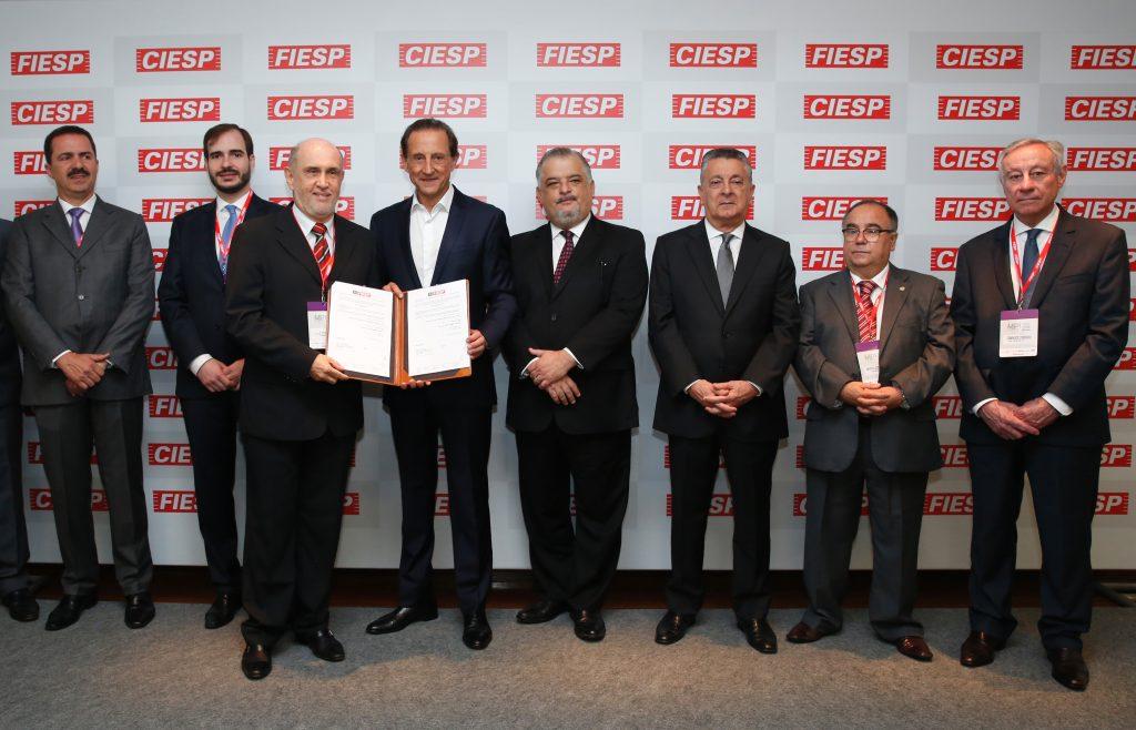 Presidente da Diretoria Executiva da Fundação Vanzolini assina convênio de parcerias com FIESP/CIESP